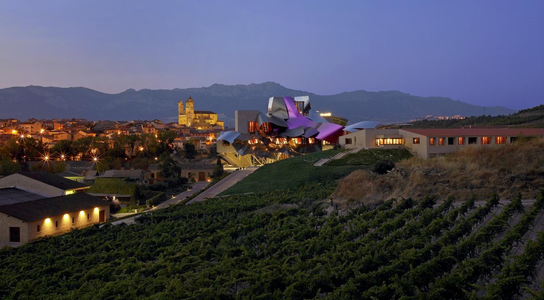 bodegas marques de riscal Bodegas Marques de Riscal – вино как произведение искусства tild3761 6533 4935 b330 306339653063  exteriorciudaddelvino291