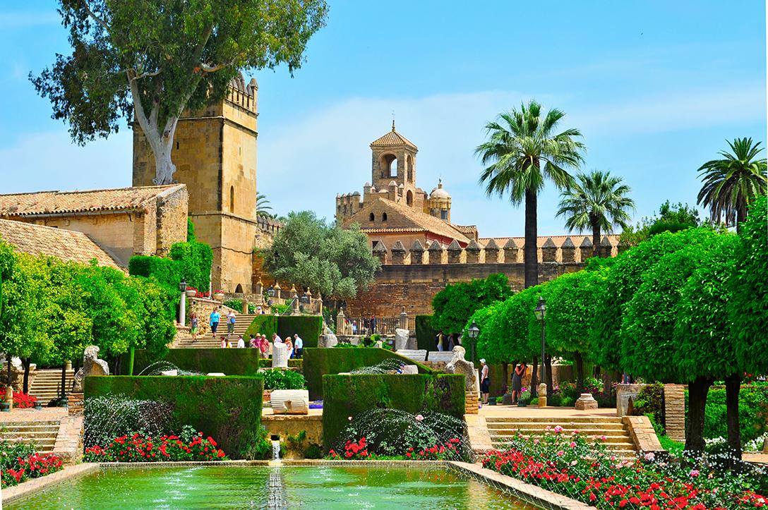 Алькасар христианских королей Андалусия Культурный досуг: топ-5 испанских городов ЮНЕСКО 1