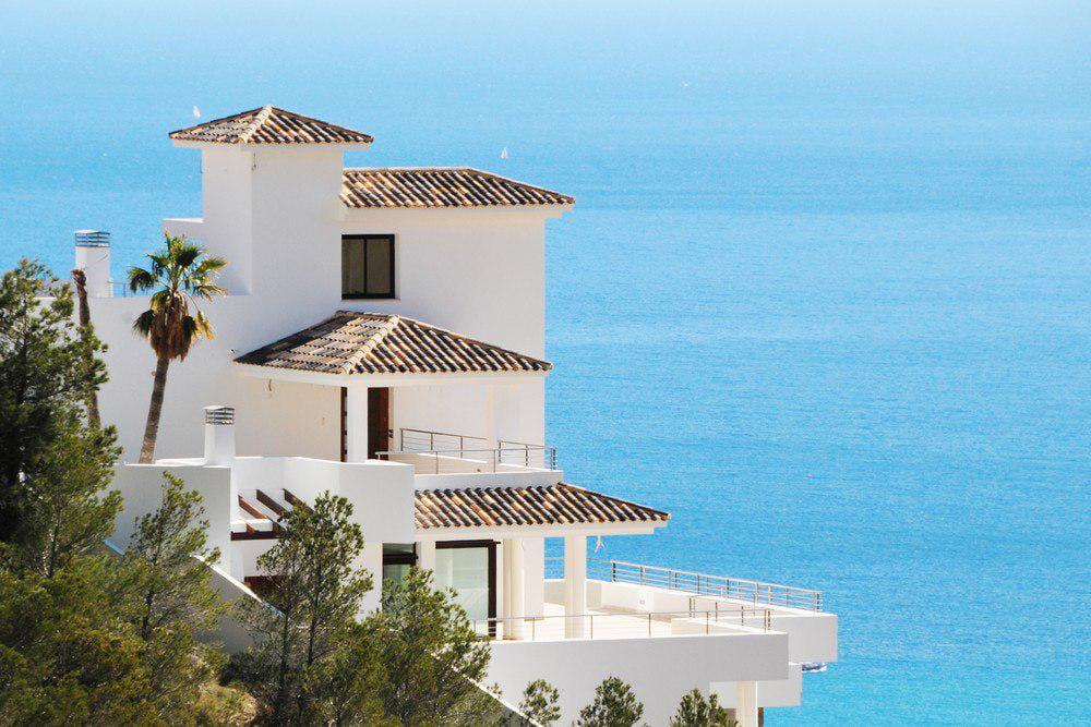 купить в испании дом у моря