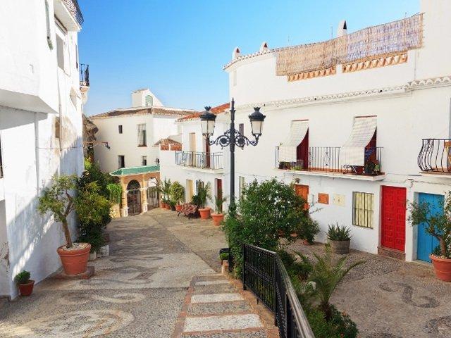 Продажа недвижимости в испании дубай моло